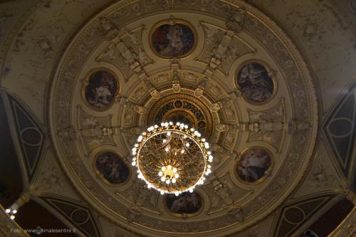 Il soffitto è stato dipinto dai fratelli Klimt - foto C.Perer