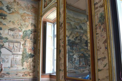 Intere stanze con carte da parati risalenti al XVIII secolo, foto: giornalesentire.it