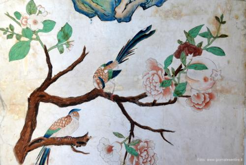 (dettaglio) - si pensa che le carte di queste sale risalgano al Settecento e siano state prodotte in Cina da artisti cinesi  f- oto: giornalesentire.it