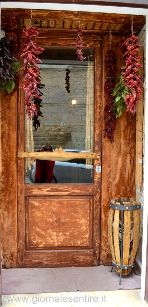 Una porta...un mondo: Mezza Pagnotta a Ruvo (foto: C.Perer)