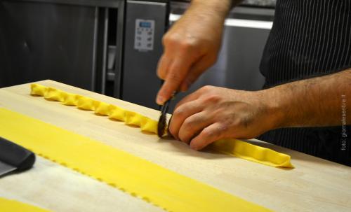La pasta fatta in casa dallo chef Fabio Poppa: solo ingredienti naturali -  foto: giornalesentire.it