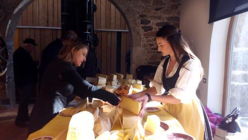 A Formandi formaggi di altissima qualità e degustazioni  (foto: O.Galletti)