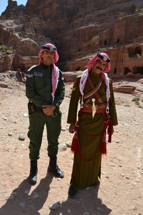 La polizia giordana sorveglia il sito 24 ore su 24 (foto C.Perer, 2015)