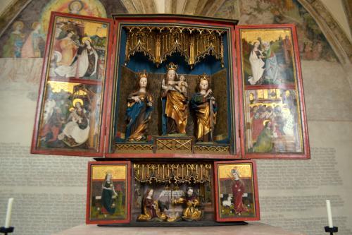 L'altare a pale della Cappella di Santa Maddalena