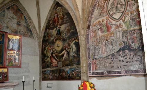 Gli affreschi della Cappella di Santa Maddalena (foto www.giornalesentire.it)