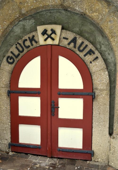 L'ingresso della miniera recava sempre la scritta Gluck Auf (Buona Fortuna)