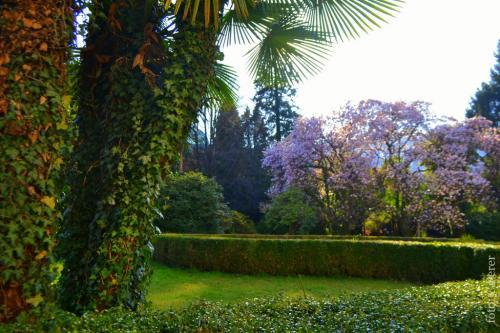Il Parco della Villa oggi Centro Studi: qui Rosmini discettava di filosofia e letteratura con l'amico Alssandro Manzoni  (foto giornalesentire.it)