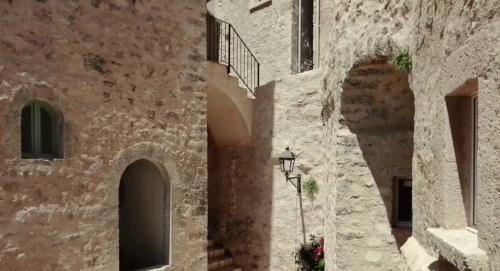 Castello di Postignano, in Umbria, è una minuscola frazione del Comune di Sellano (PG) che fu abbandonata negli anni '60.