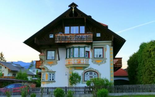 casa tipica a Seefeld, Tirolo Austriaco (foto www.giornalesentire.it)