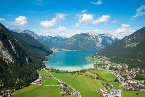 Il Lago Achensee visto da Maurach su lato meridionale