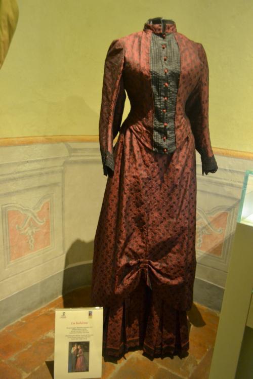 Un abito originale della Boheme. Lo indossava Mimì