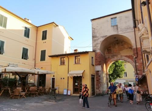 Pietrasanta, bellissimo borgo toscano (foto www.giornalesentire.it)