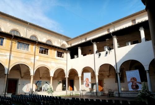 il Chiostro di Sant'Agostino ospita la biblioteca ed il museo dei Bozzetti