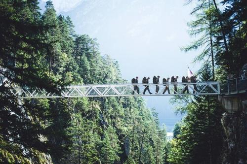 Sono ormai 20 anni che  escursionisti, provenienti da tutto il mondo, si ritrovano e sono pronti a sostenere distanze fino a 42 km al giorno