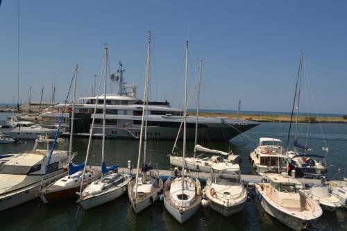 Viareggio è nota per essere la città del Carnevale, ma è anche un distretto del settore della cantieristica navale