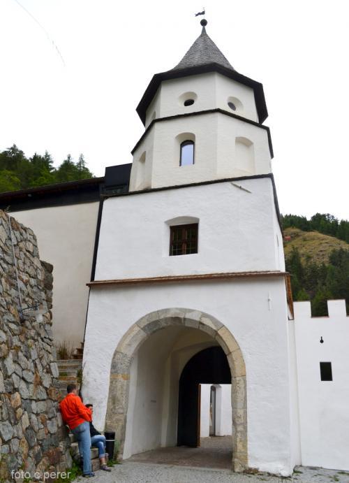 L'ingresso al complesso monastico - fotoservizio: giornalesentire.it