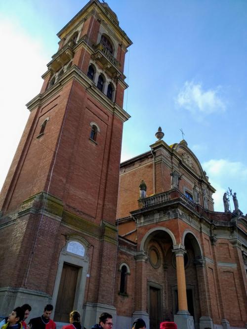 Il Santuario del Crocifisso con il campanile carillon